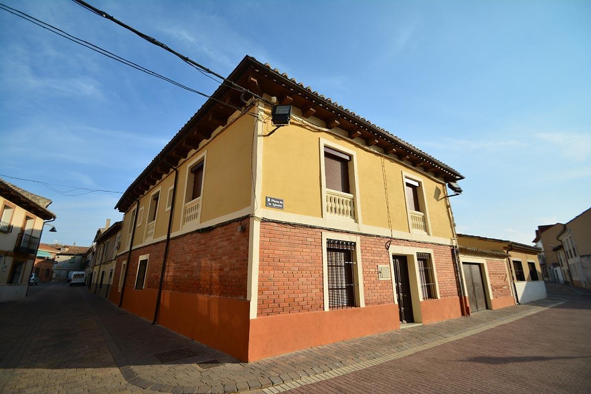 Casa rural la plaza valoria la buena valladolid ruta - Spa urbano valladolid ...