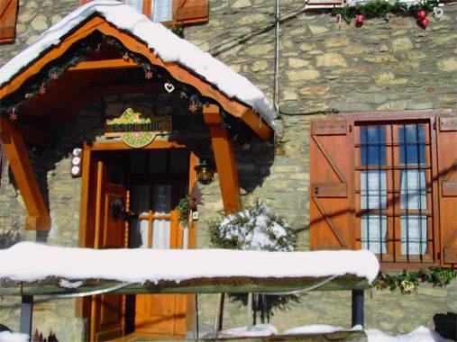 Casa puig montcorbau viella mijaran valle de aran lleida ruta rural - Casas rurales valle de aran ...